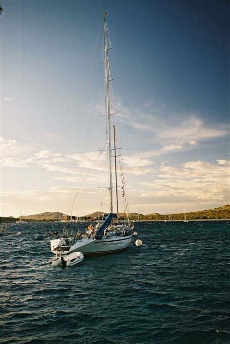 yacht etymology bateau wiktionnaire
