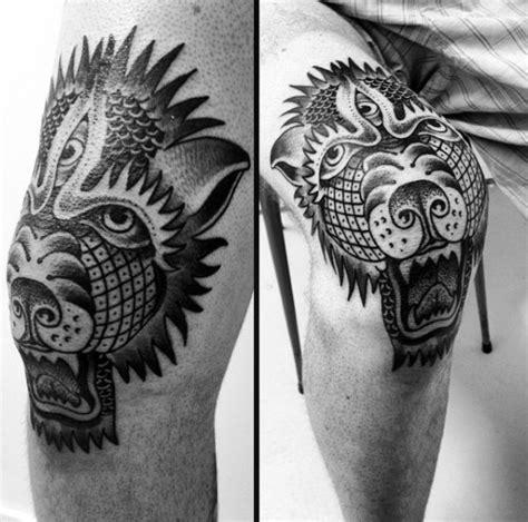 schwarzes detailliertes knie tattoo mit d 228 mon hundekopf