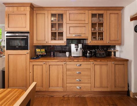 17 best images about oak cabinets on pinterest hardware 17 best images about lacquered oak cottage kitchen case