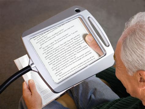 lighted magnifying glass for macular degeneration related keywords suggestions for magnifying aids