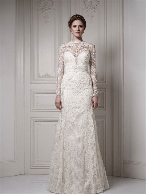 fall lace wedding dress with sleeves   Sang Maestro