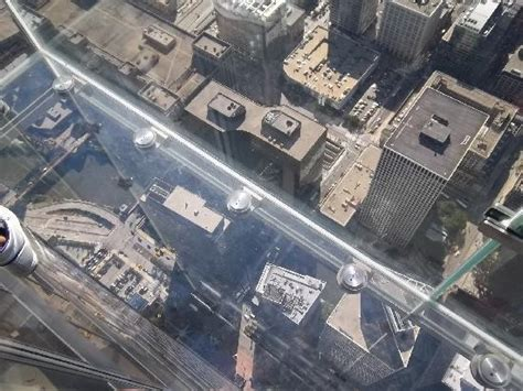 looking 104 floors through the glass floor picture