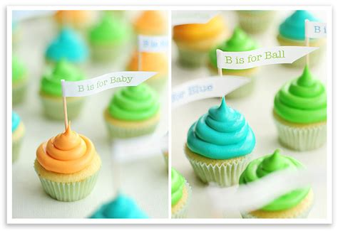 Friends The One With The Baby Shower - baby shower cupcakes