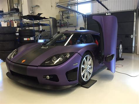 koenigsegg purple koenigsegg lila regera in purple pays tribute to prince