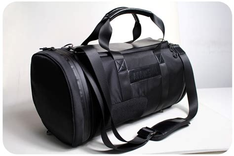 Magnet Houlder American Tool breether duffle bag designed to breathe n stay cool by