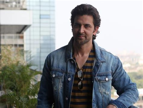 hrithik roshan fitness app hrithik roshan signed rs 100 crore deal with startup cure fit