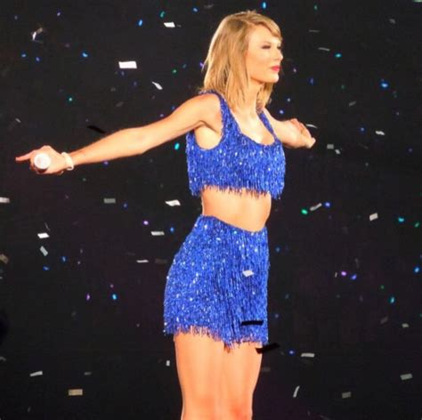 taylor swift pink dress 1989 see all of taylor swift s looks from the 1989 world tour