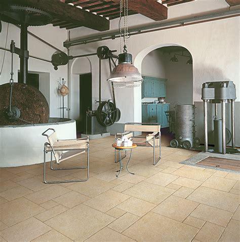 pavimenti in tufo tufo coem ceramiche e piastrelle in gres porcellanato