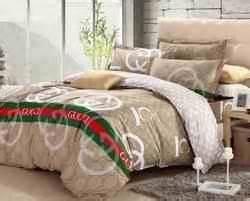 Lux decor and spreads gucci bedding