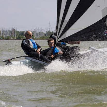 catamaran verhuur verhuur dart 16 met spi sail today