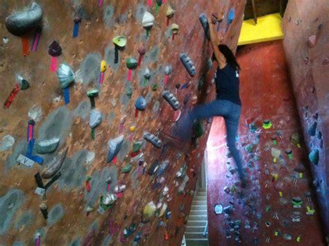 best indoor rock climbing best indoor rock climbing in los angeles 171 cbs los angeles