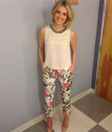 ali fedotowsky short hair e news host ali fedotowsky wears the perfect spring