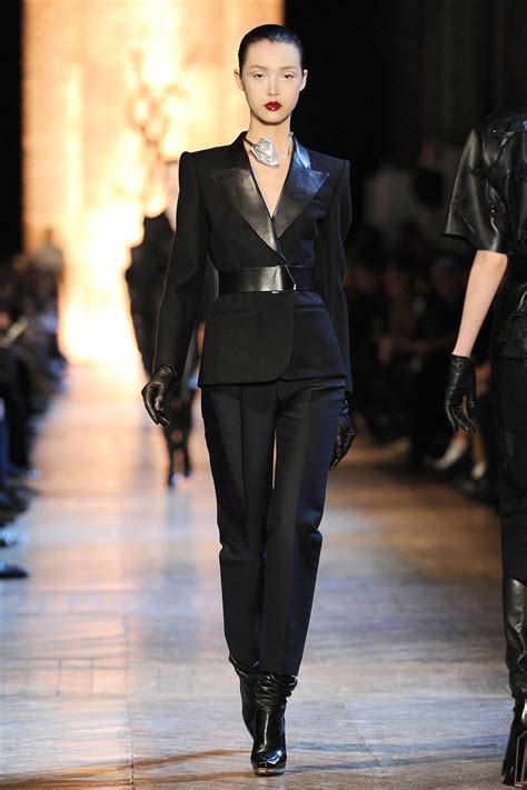 The Femme Suit Couture In The City Fashion by Thelist Le Tuxedo Shopping Guide Best Designer