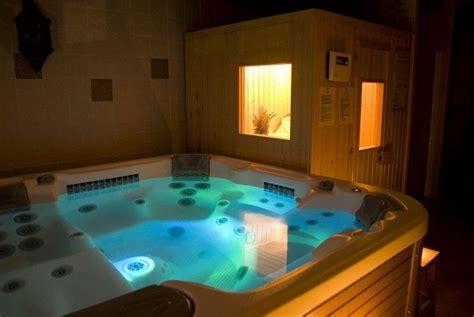 hoteles baratos con jacuzzi en la habitacion barcelona m 225 s de 50 jacuzzis en casas rurales para dejarte con la