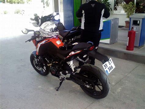 ktm duke   model motosiklet tanitim motor