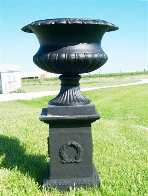 Cast Iron Planter Urn by 41 Quot Venice Planter Urn Set Cast Iron Flower Pot