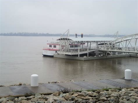riverboat picture of tunica queen riverboat tunica - Mississippi River Boat Cruise Tunica
