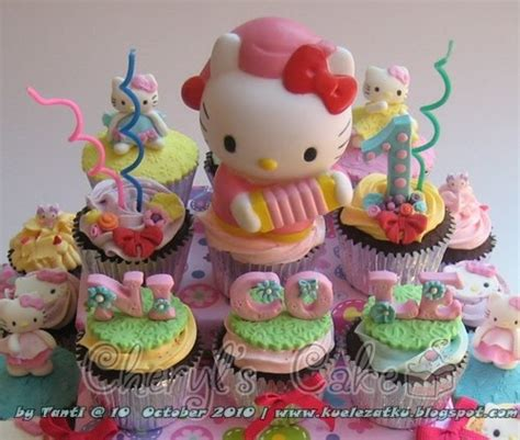 kue ulang  anak cupcake birthday cake