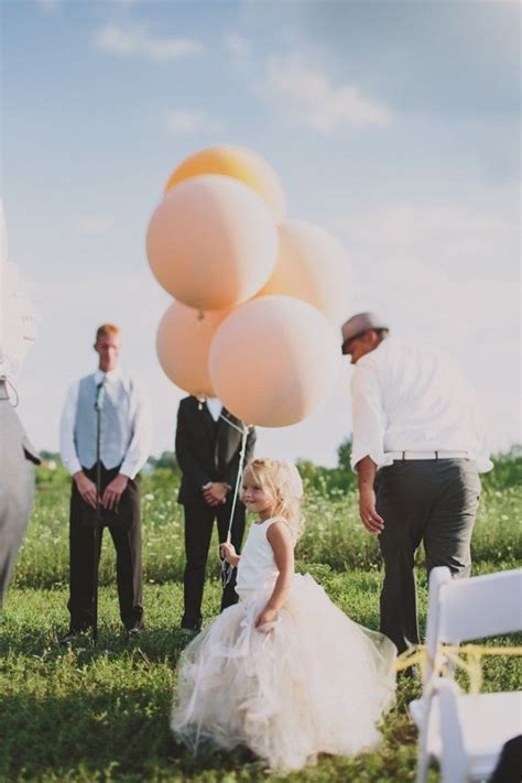 Ten Wedding Balloon Ideas We Love   Rustic Wedding Chic