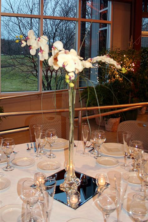 Eiffel Tower Vase Centerpiece Ideas by Eiffel Tower Vase Centerpieces