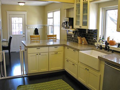White Kitchen Cabinets Shaker Door Style Cliqstudios Shaker Style White Kitchen Cabinets