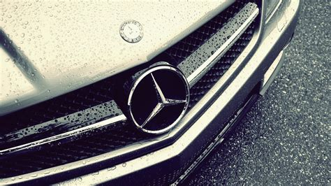 logo mercedes benz wallpaper mercedes benz logo rain hd wallpaper welcome to starchop