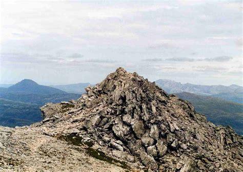 benjamin more file ben more assynt summit rocks jpg wikipedia