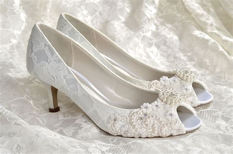Wedding Shoes With Heel Detail by Wedding Shoes Medium Heels Custom Colors Vintage Wedding