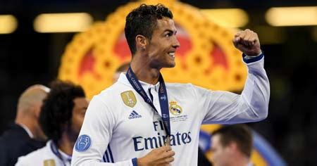 cristiano ronaldo biography in spanish top five best strikers to look out for in the world cup 2018