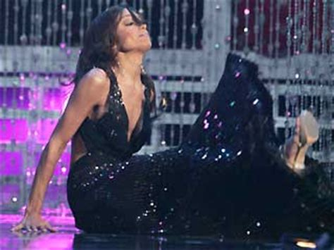 Miss Usa Falls Fails At by Miss Usa Falls During Miss Universe Pageant Again Mi
