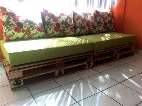 sofa pallets 4 whole pallet sofa pallet furniture diy