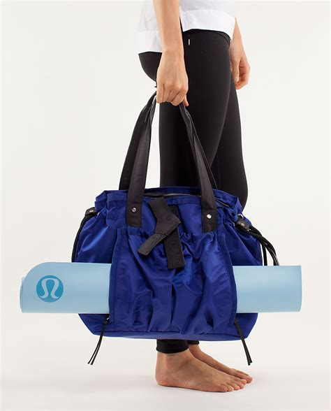 Mat Bag Lululemon by Get Fashionably Fit For Fall Where I Need To Be