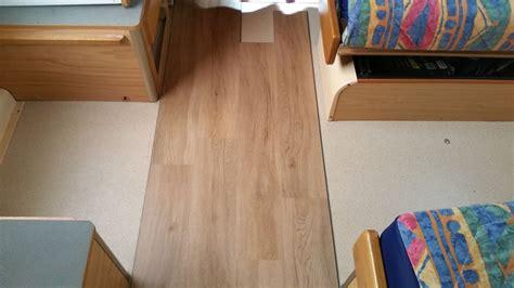 pavimento insonorizzato pavimento in lame viniliche ad incastro portale per chi