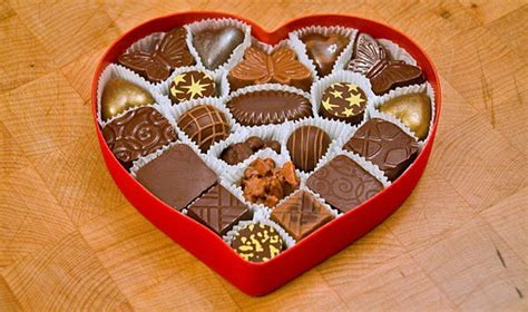 Your Guide To The Best Valentines Day Chocolate by Why Do We Give Chocolate On S Day The Fact Site