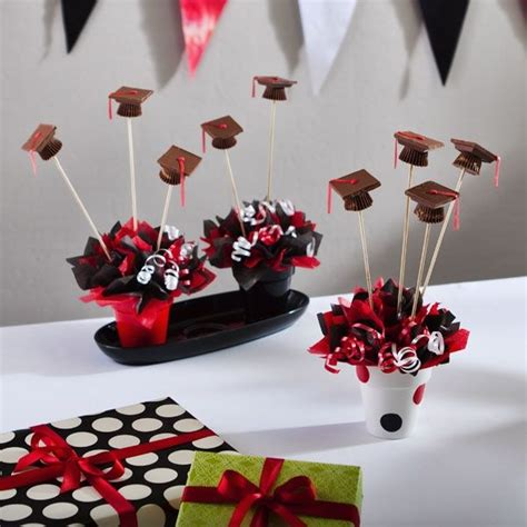 Graduation Party Table Decorations 17 Best Ideas About Graduation Table Centerpieces On