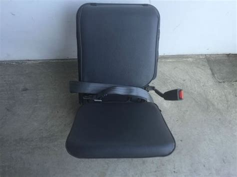 2001 nissan frontier seats sell 2001 2004 nissan frontier rear right seat used