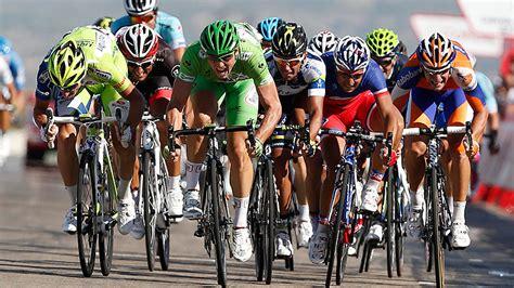 la vuelta a europa 8492663618 la ca 241 a de fotoprotecci 243 n con la vuelta ciclista a espa 241 a el 31 de agosto en estepona