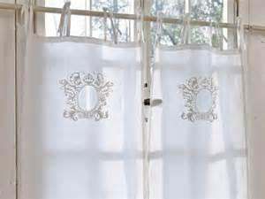 vorhänge badezimmerfenster wohnzimmer und kamin scheibengardinen modern wohnzimmer