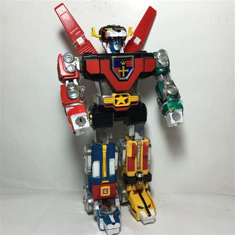 voltron legendary defender toys the official trailer for voltron legendary defender