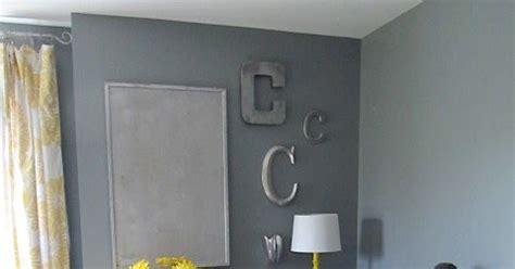 spray paint room design sew many ways s room spray painting ideas