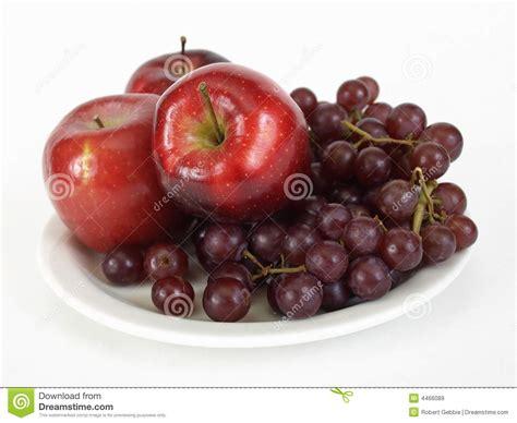 imagenes de uvas y manzanas apples and grapes royalty free stock images image 4466089