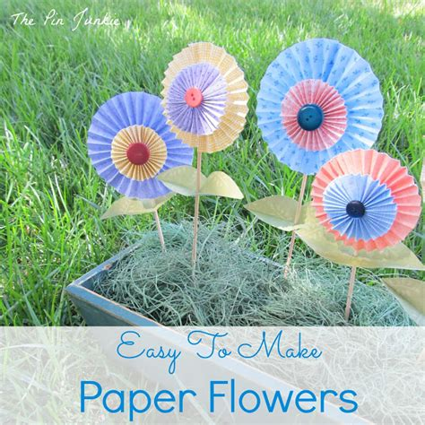 Easy Folded Paper Flowers - the pin junkie easy to make folded paper flowers