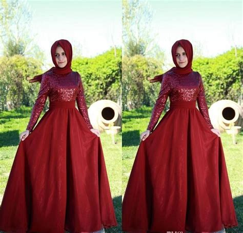 Longdress Arab modest fashion with a dress hijabiworld