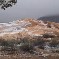 snowfall in desert snow falls in sahara desert for the first time in four decades sixfivenation