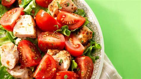 Poulet Grille by Poulet Grill 233 Et Salade De Tomates Avec Vinaigrette Au