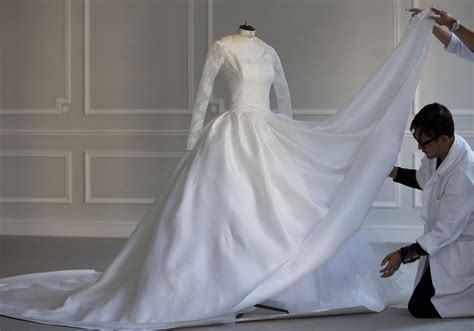 inside chinese star angelababy 31 million wedding in