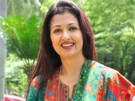 film actress gautami e malayalam movie this will be gautami s comeback movie in
