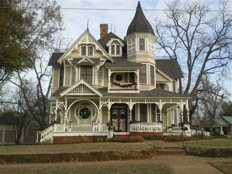 victorian farmhouse style victorian home decorated for christmas queen anne
