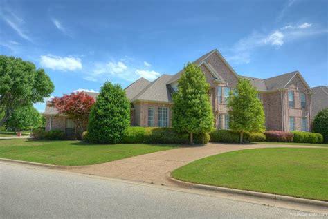 we buy houses arlington tx 2208 tournament trail arlington texas real estate