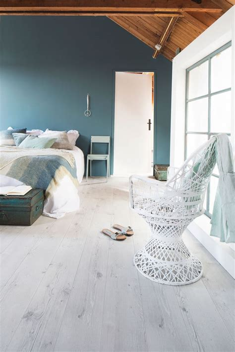 Blue Bedroom Trunk 25 Best Ideas About White Laminate Flooring On